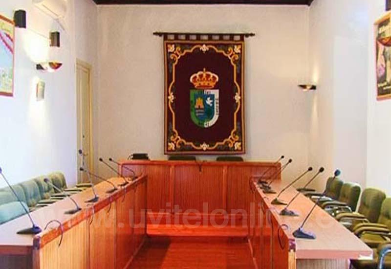 La Corporación de el Ayuntamiento de El Coronil se adhiere al escrito de la situación de los Juzgados de Utrera