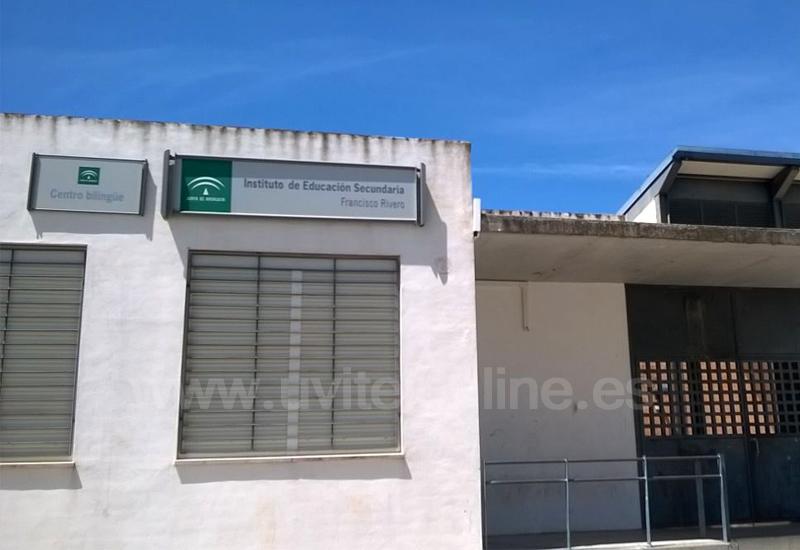 Educación invierte en obras de mejoras en el IES Francisco Rivero de Los Molares