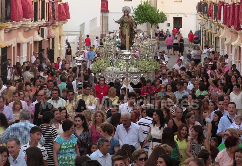 Un año más Santa Marta es arropada por una multitud de molareños en su efemérides
