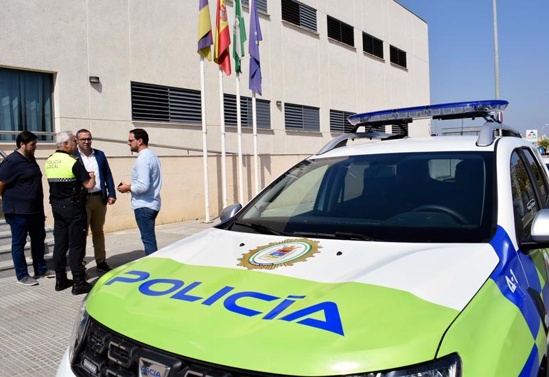 EL AYUNTAMIENTO DE LOS PALACIOS Y VILLAFRANCA ADQUIERE UN NUEVO VEHÍCULO PARA LA POLICÍA LOCAL CON CARGO AL PLAN SUPERA VII