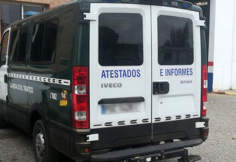 DOS GUARDIAS CIVILES DE UTRERA INTOXICADOS POR MONÓXIDO DE CARBONO EN UNA FURGONETA DE ATESTADOS